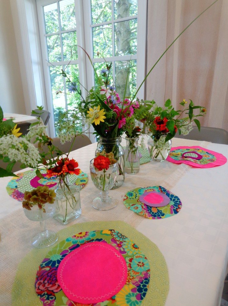 Suzani and wildflower tabletop decorations on Shalavee.comle
